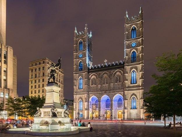 792px-Basílica_de_Notre-Dame,_Montreal,_Canadá,_2017-08-11,_DD_26-28_HDR